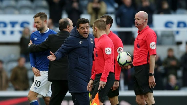 Marco Silva confronts referee after Everton blow two goal lead at Newcastle