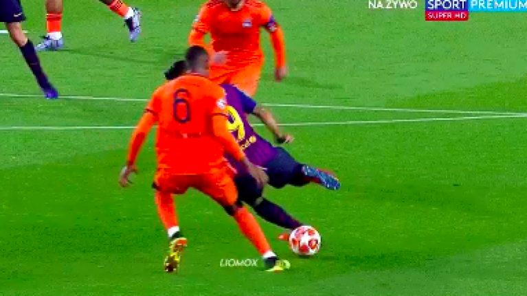 Luis Suarez nutmeg steals Lyon player's soul without him even touching the ball