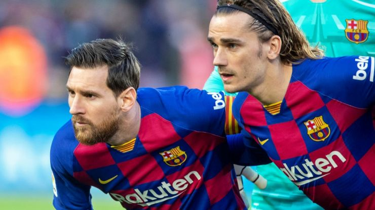 Barcelona players agree to pay cut to save club from collapse