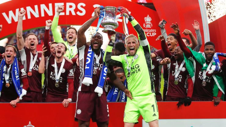 Leicester duo unveil Palestine flag during FA Cup final celebrations