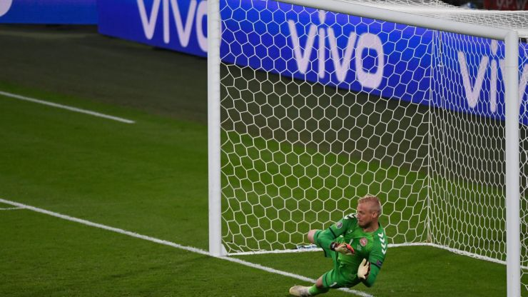 Peter Schmeichel angrily speaks out after big 'penalty mistake'