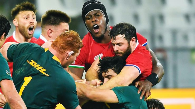 Maro Itoje and Robbie Henshaw fighting it out for Lions' Player of the Series
