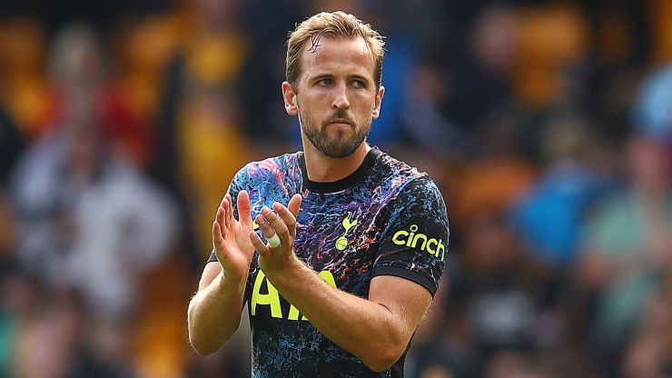 Supporters wishing Harry Kane left two words out of his Tottenham statement
