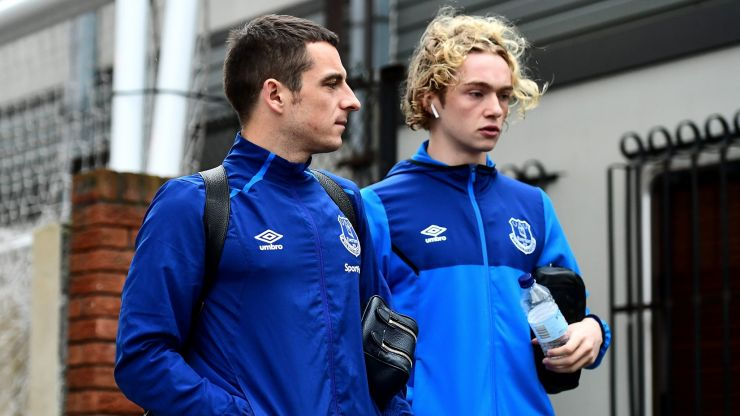 Tom Davies and Leighton Baines seen buying homeless people drinks day after derby win