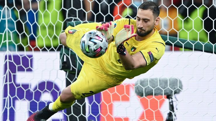 Gianluigi Donnarumma booed by own fans during Italy's Nations League semi-final